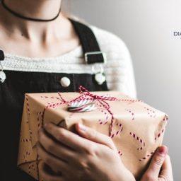 hạch toán chi phí quà tặng