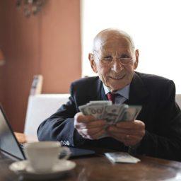 người nhà nước ngoài có được nhận lương hưu